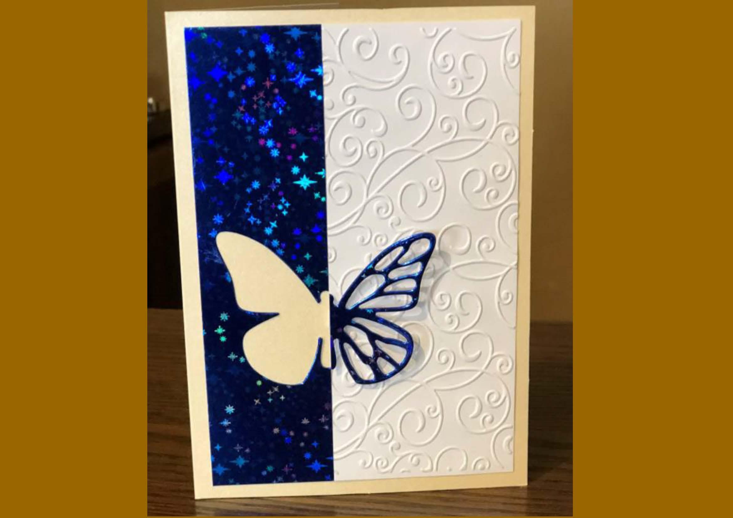 Taktile Karte, Weiß und Glitzer-Blau mit dekorativem Schmetterlking